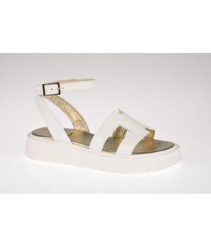 Sandale cu talpa groasa