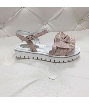 Sandale cu fundita